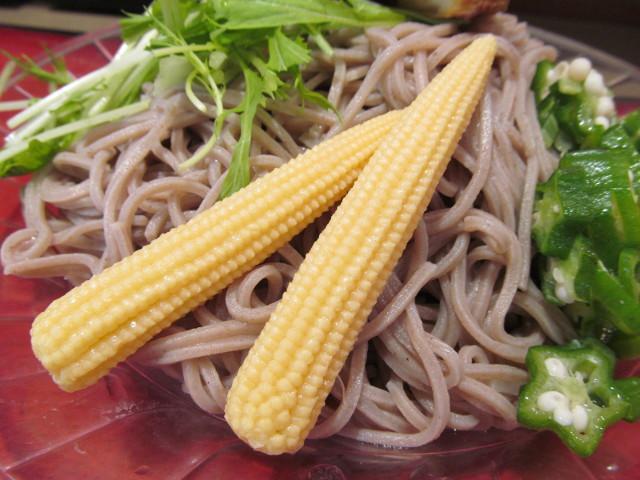 富士そば冷し夏野菜カレーつけ蕎麦のベビーコーン