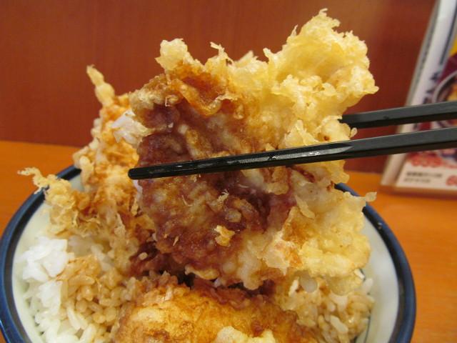 天丼てんやWソース鶏天丼ご飯大盛の鶏天2