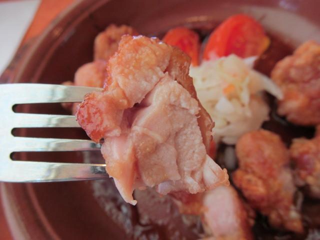 サイゼリヤ鶏肉のオーブン焼きの鶏肉の断面