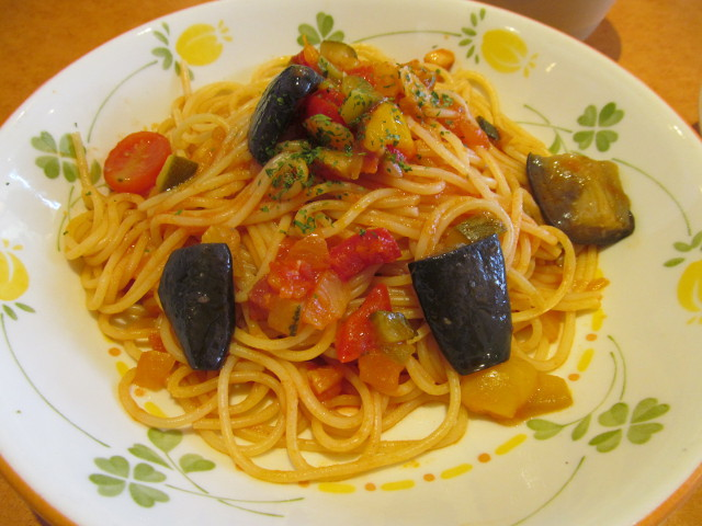 サイゼリヤ彩り野菜のトマトソーススパゲッティのスパゲッティ