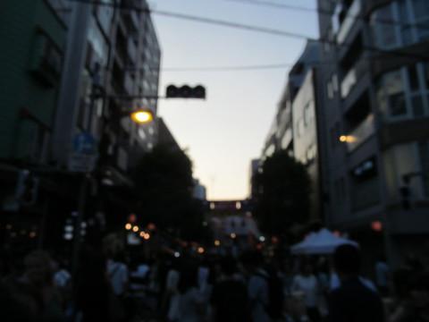 豆源本店前から六本木ヒルズ方面20150822
