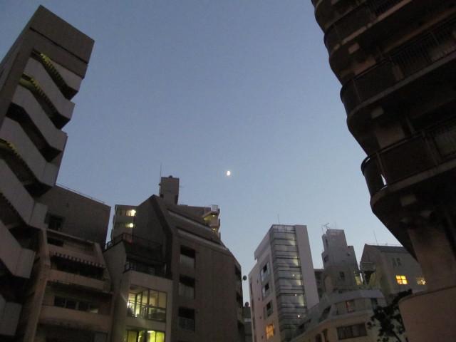 麻布十番納涼まつり2015初日に見えた月