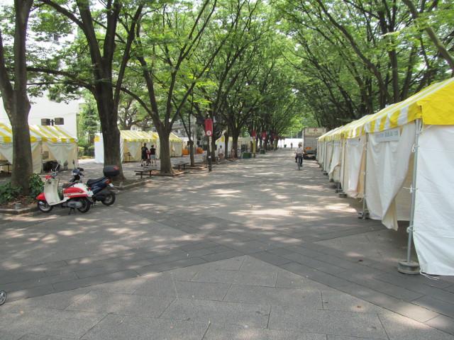 ふるさと物産展テントたち1