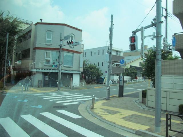 世田谷三丁目を右折する等13系統等々力発一番バス