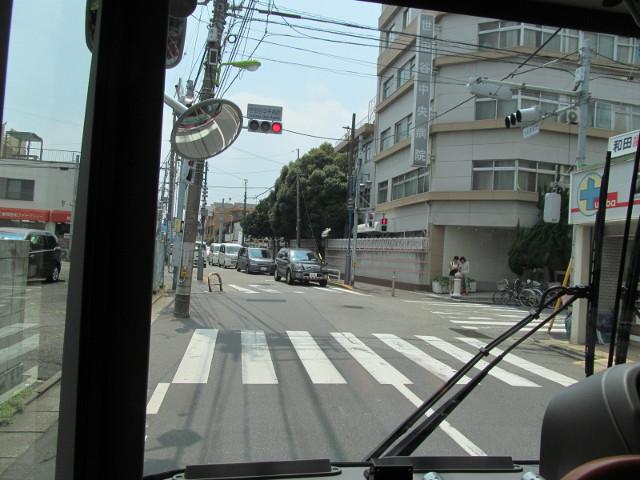 等13二番バスから見た世田谷中央病院あたり