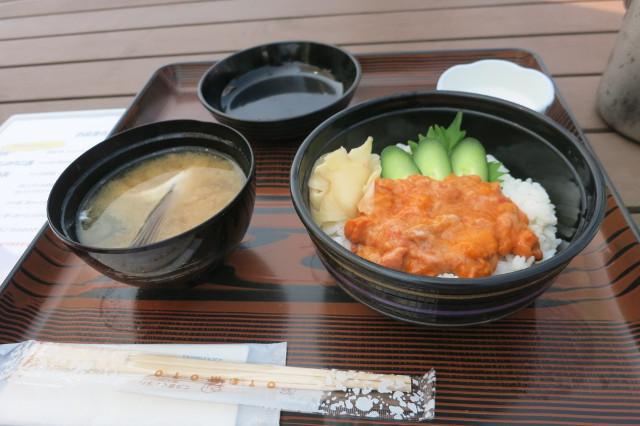 知床海岸食堂まぼろしのウニ丼