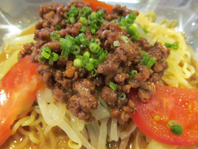 ガストピリ辛冷やしタンタン麺の挽き肉