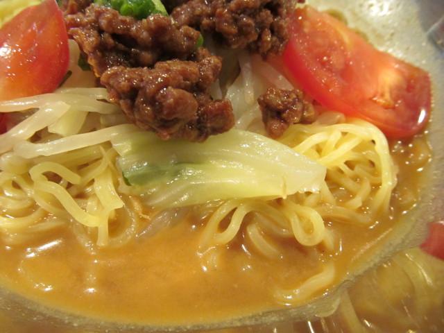 ガストピリ辛冷やしタンタン麺のキャベツ