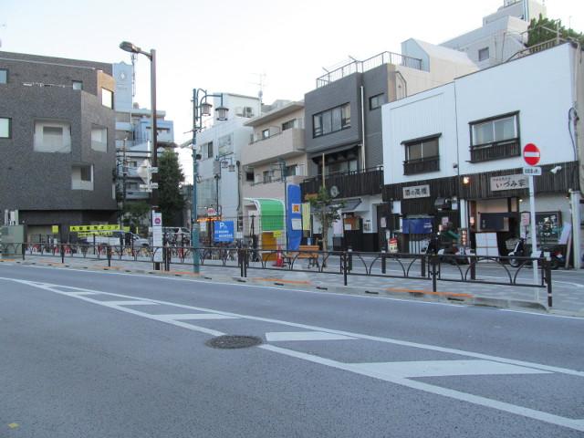 世田谷駅前バス停梅ヶ丘方面20150902