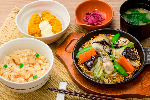 ガスト牡蠣のあんかけ焼きそばand松茸ご飯和膳