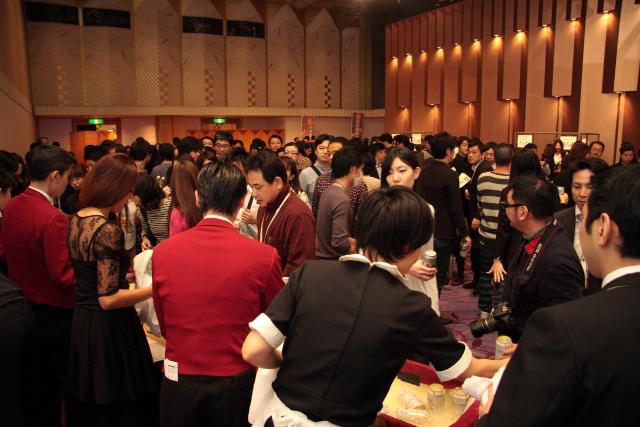 めちゃ栄えている謝肉祭会場20151021