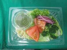 彩り野菜のバジルソースパスタサラダ