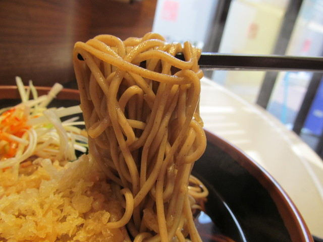 富士そばネギタそば大盛の蕎麦