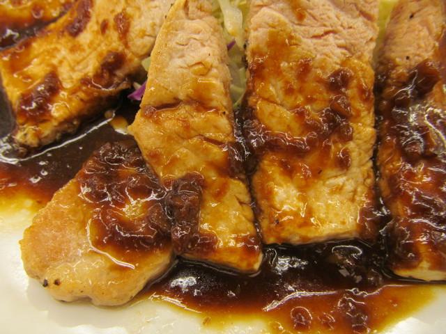 松屋豚テキ定食2015のソースをよく観察