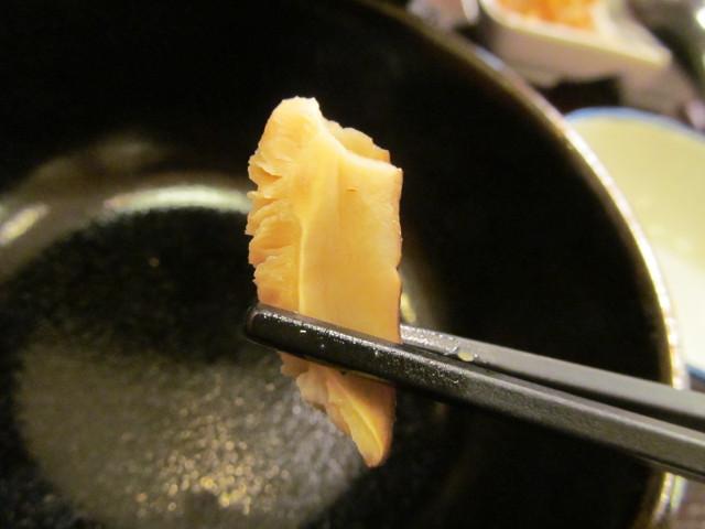 すき家鶏つくね鍋定食のしいたけ