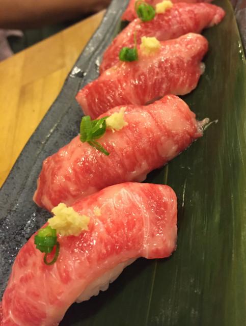 うまえびす馬肉のお寿司各種