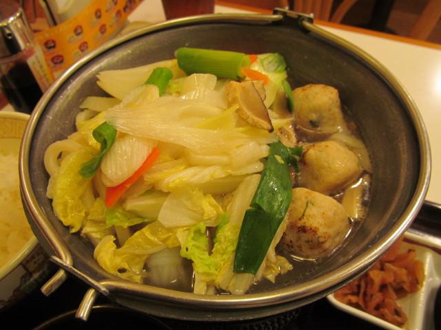 すき家鶏つくね鍋定食の鍋