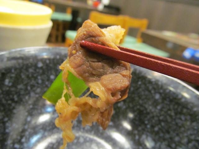 なか卯牛すき焼き鍋膳ごはん大盛の牛肉