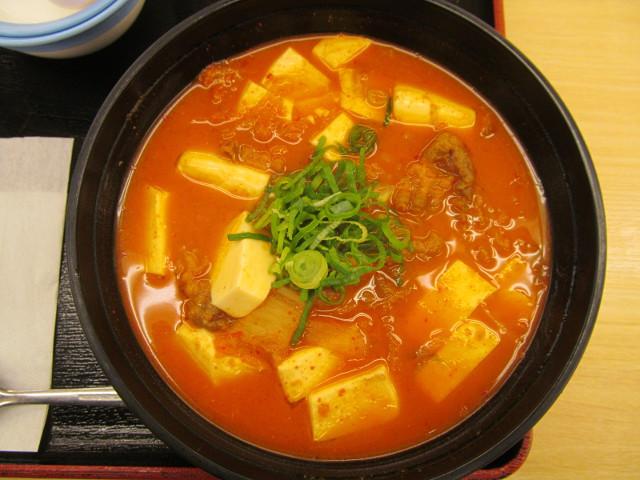 松屋豆腐キムチチゲ膳の豆腐キムチチゲ