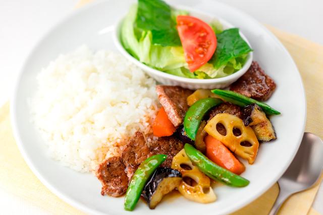 ガストビーフと焼き野菜のライスプレート