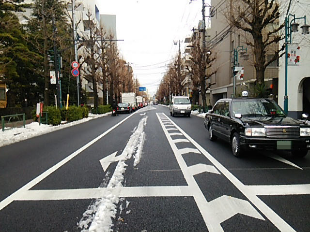 世田谷駅前交差点から三軒茶屋方向20160118