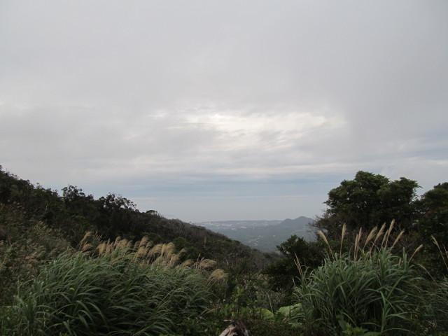 八重岳山頂からの眺めその2_20160105