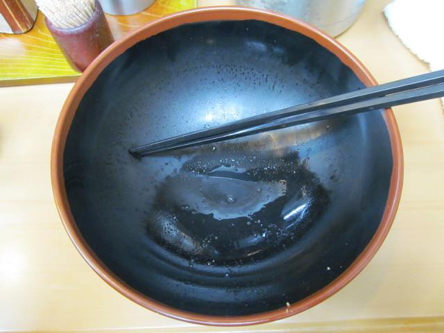 富士そば渋谷店の肉富士そば大盛を完食完飲