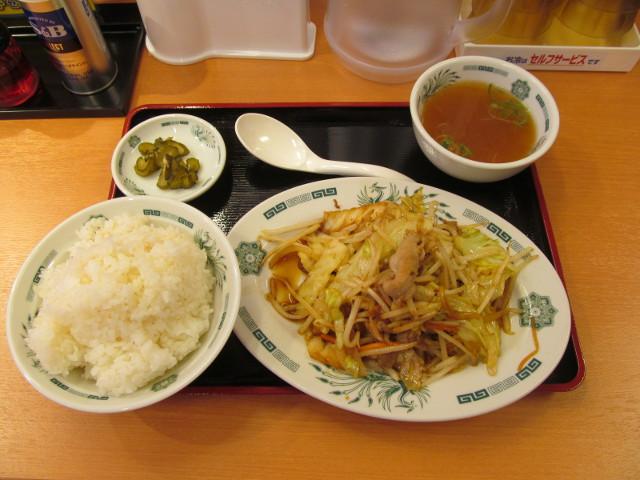 日高屋豪徳寺駅前店の肉野菜炒め定食ライス大盛一式