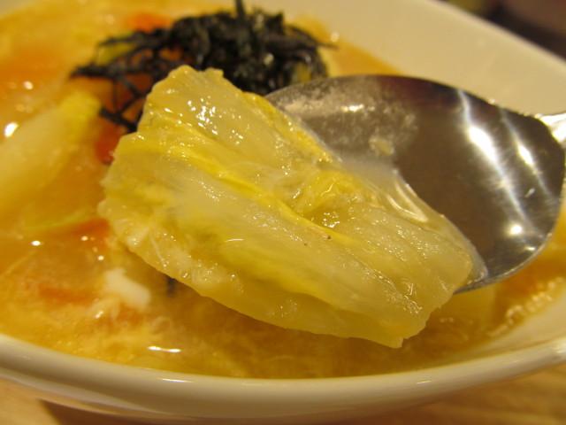 松屋冬野菜と玉子の生姜塩スープごはんの白菜