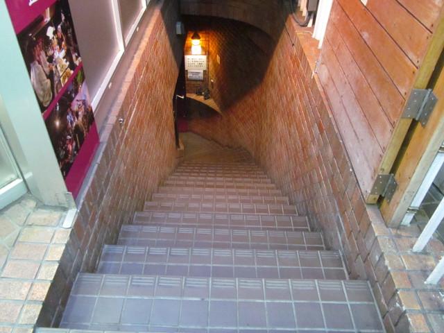 サラヴァ東京の階段上から20160514