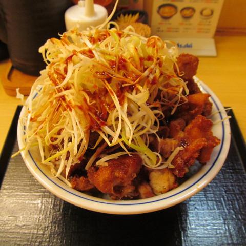 かつやたっぷり白髭ねぎの甘辛から揚げ丼大盛賞味サムネイル