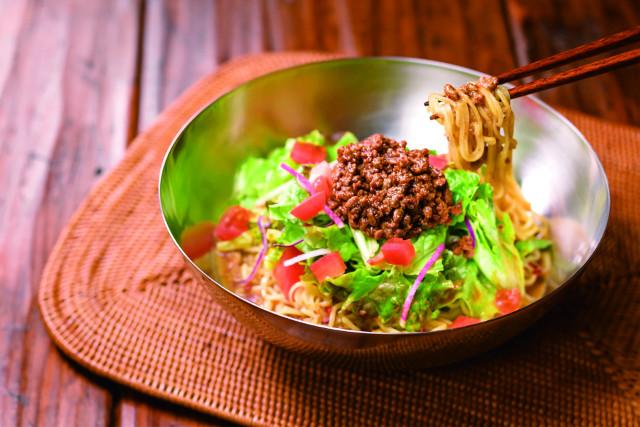 ガスト冷やしサラダタンタン麺写真