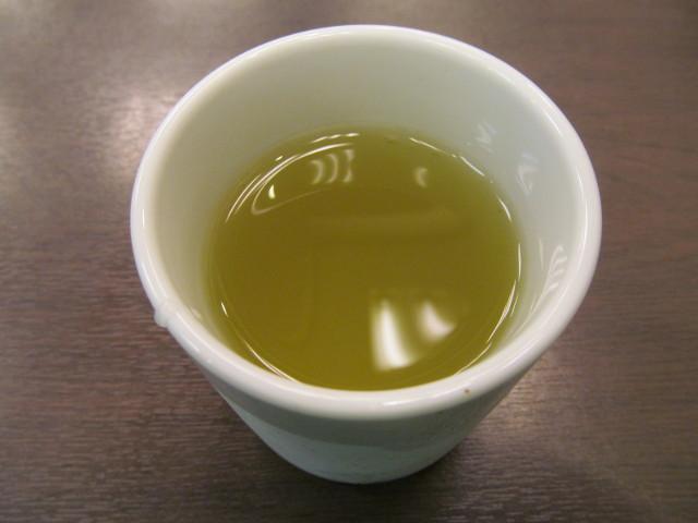 なか卯の冷たいお茶20160907