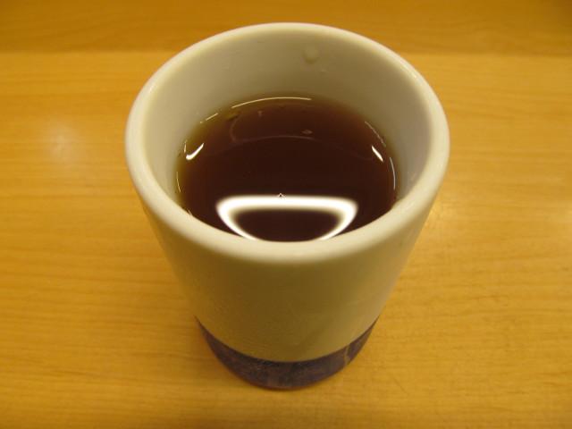 かつやの冷たいお茶20160916