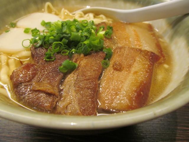 やんばる渋谷店やんばるそばの三枚肉