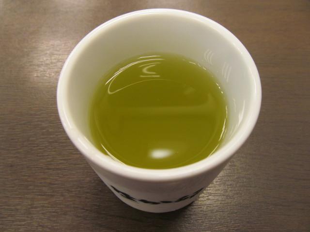 なか卯の冷たいお茶20161005