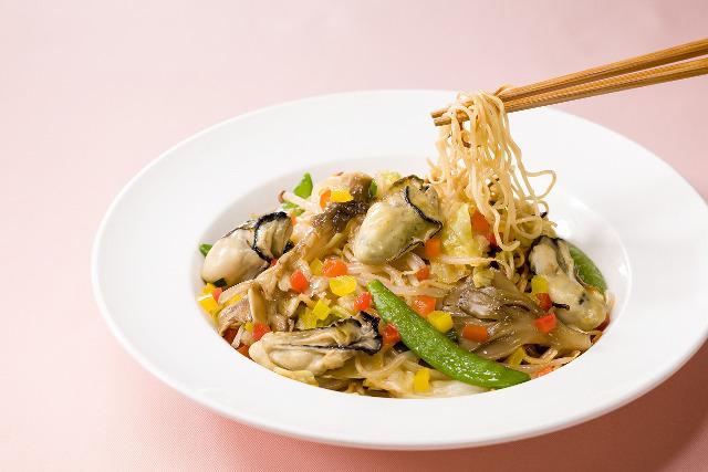 ガスト牡蠣とたっぷり野菜の旨辛焼きそば画像