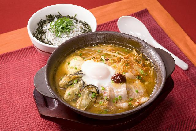 ガスト広島産牡蠣の辛口チゲ半玉うどん入り画像