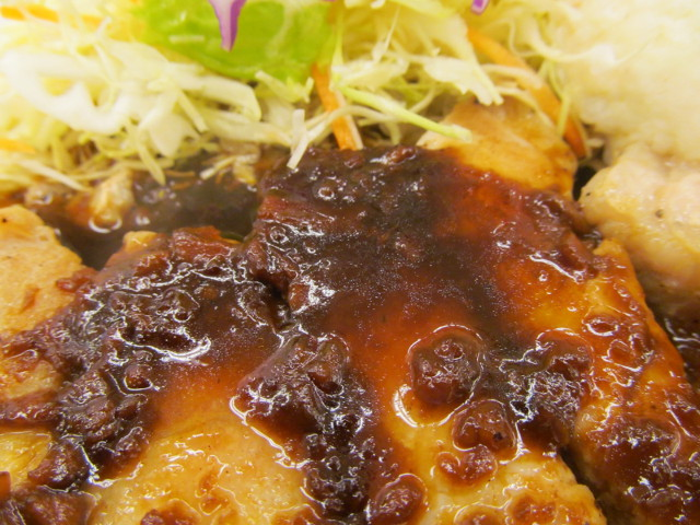 松屋厚切り豚テキ定食の松屋特製にんにくタレ