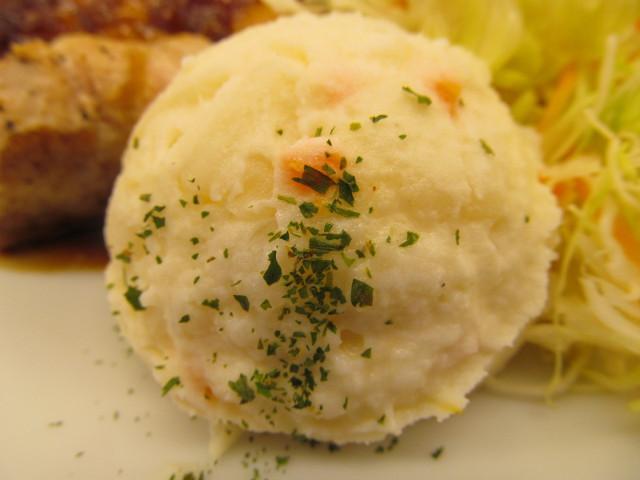 松屋厚切り豚テキ定食のポテトサラダ