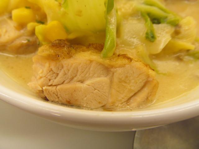 松屋鶏と白菜のクリームシチュー定食の鶏肉