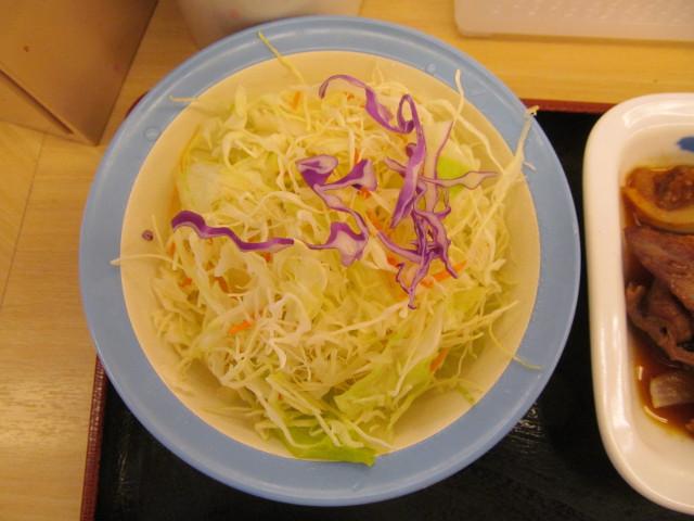 松屋プルコギ定食の生野菜