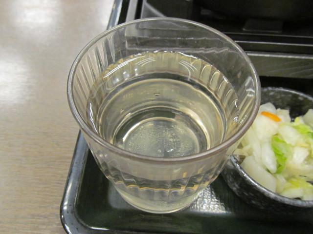 なか卯ビーフシチュー膳の水