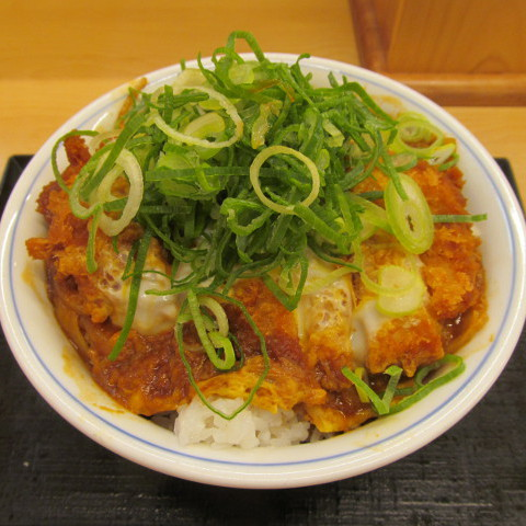かつや青ねぎ味噌カツ丼大盛賞味サムネイル