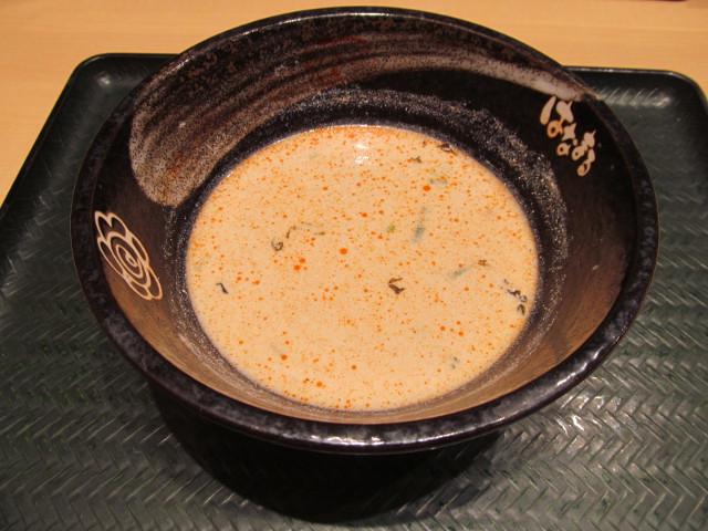 はなまるうどん濃厚豆乳担々うどん大の麺を完食