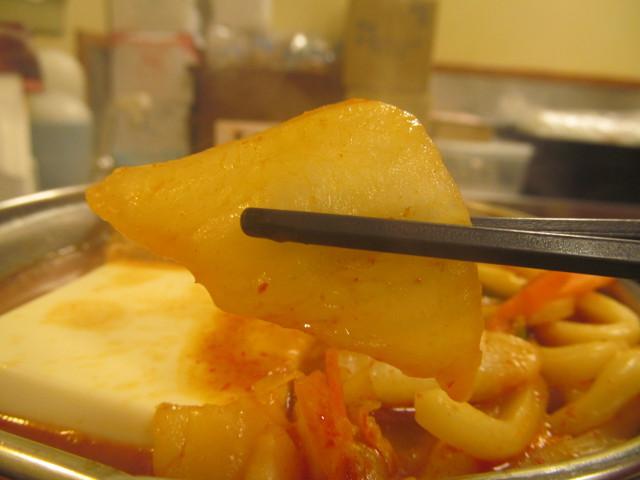 すき家豚チゲ鍋定食の白菜持ち上げ