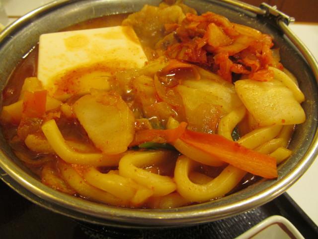 すき家豚チゲ鍋定食のうどんとか野菜とか