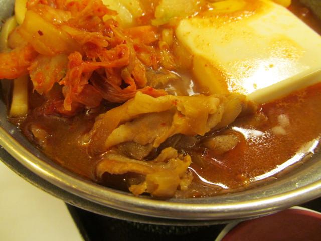 すき家豚チゲ鍋定食の豚肉