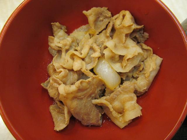 吉野家牛豚半丼の豚皿を真上から