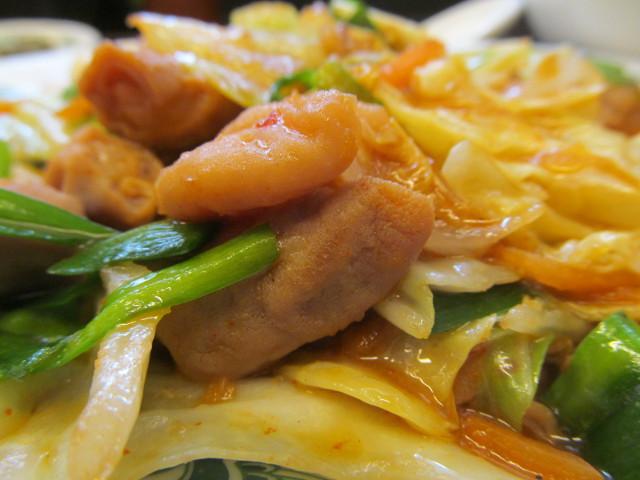 日高屋モツ野菜スタミナ炒め定食のモツ